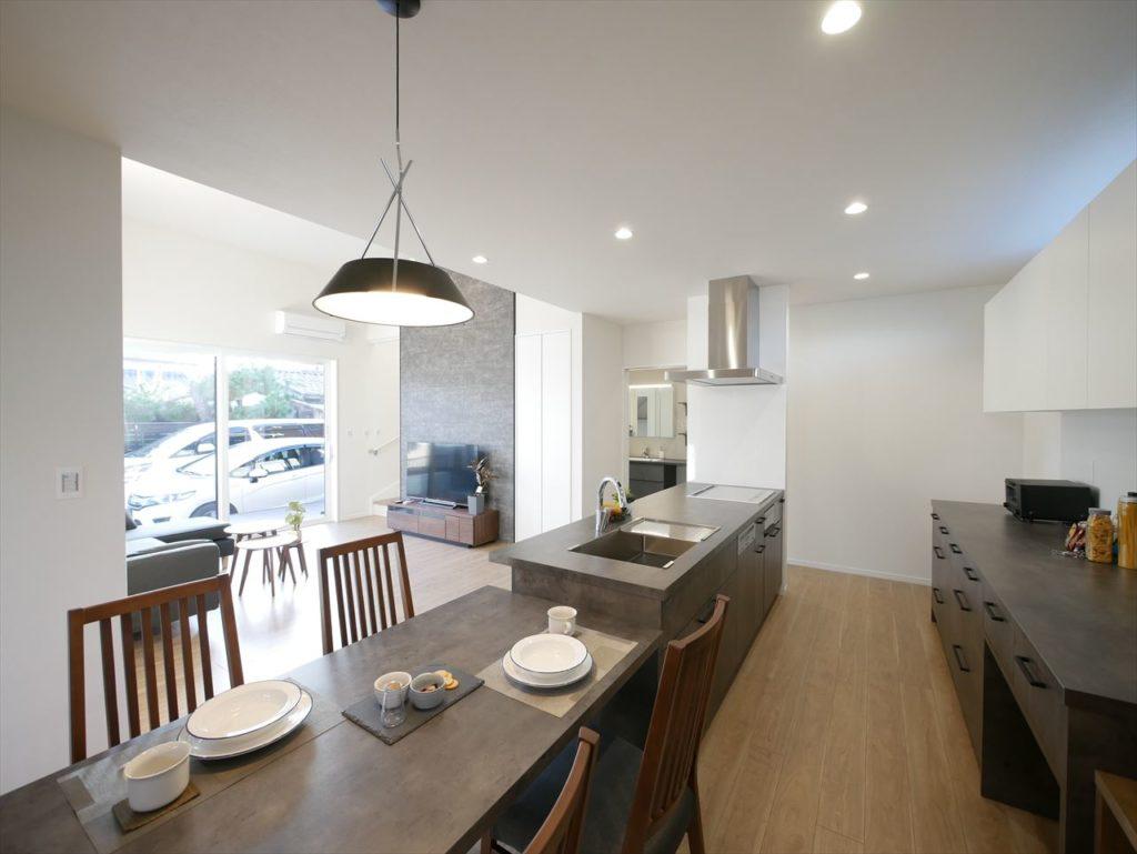 お家じゅうをお気に入りの空間に。高性能はまるごとあたたかい。